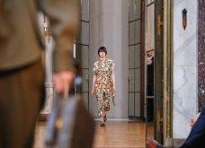 Η μεγάλη πλέον κυρία της μόδας Βικτόρια Μπέκαμ μόλις έδειξε στη Νέα Υόρκη τη νέα της κολεξιόν   - Κυρίως Φωτογραφία - Gallery - Video