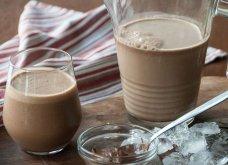 Ο Άκης Πετρετζίκης δημιουργεί ένα απίστευτο ρόφημα: Smoothie με πραλίνα σοκολάτας, καφέ και μπανάνα - Κυρίως Φωτογραφία - Gallery - Video