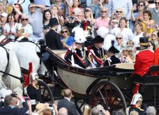 Με μεγάλη επισημότητα & λαμπερές παρουσίες η βασίλισσα Ελισάβετ γιόρτασε τα 700 χρόνια του εμβληματικού Τάγματος των Ιπποτών Garter (ΦΩΤΟ)  - Κυρίως Φωτογραφία - Gallery - Video 17