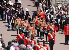 Με μεγάλη επισημότητα & λαμπερές παρουσίες η βασίλισσα Ελισάβετ γιόρτασε τα 700 χρόνια του εμβληματικού Τάγματος των Ιπποτών Garter (ΦΩΤΟ)  - Κυρίως Φωτογραφία - Gallery - Video 18