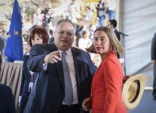 H υπογραφή της ιστορικής συμφωνίας Ελλάδας - ΠΓΔΜ στις Πρέσπες μέσα από τον φωτογραφικό φακό - Ο Ζάεφ έδωσε τη γραβάτα του στον Τσίπρα (ΦΩΤΟ & VIDEO) - Κυρίως Φωτογραφία - Gallery - Video 2