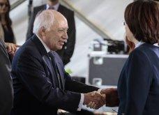 H υπογραφή της ιστορικής συμφωνίας Ελλάδας - ΠΓΔΜ στις Πρέσπες μέσα από τον φωτογραφικό φακό - Ο Ζάεφ έδωσε τη γραβάτα του στον Τσίπρα (ΦΩΤΟ & VIDEO) - Κυρίως Φωτογραφία - Gallery - Video 5