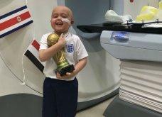 Δείτε το συγκινητικό βίντεο με τον μικρό καρκινοπαθή Μπεν να αγκαλιάζει το κύπελλο που το έφερε ο αρχηγός της αγγλικής ομάδας  - Κυρίως Φωτογραφία - Gallery - Video