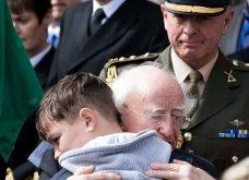 Ιδού 15 φωτογραφίες που αποδεικνύουν ότι ο πρόεδρος της Ιρλανδίας είναι ο πιο γλυκούλης στον κόσμο - Κυρίως Φωτογραφία - Gallery - Video