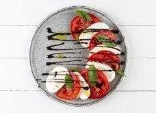 Ελαφρύ δείπνο αλά ιταλικά με τέλεια Σαλάτα Καπρέζε από τον Άκη - Κυρίως Φωτογραφία - Gallery - Video