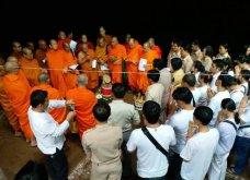 Ταϊλάνδη το μεγάλο ευχαριστώ για τα 12 παιδιά: Υπέροχες τελετές με περίεργα δώρα και ύμνους στα πνεύματα του σπηλαίου (Φωτό & Βίντεο) - Κυρίως Φωτογραφία - Gallery - Video