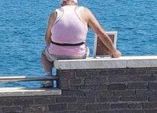 Τέτοιοι άντρες τέτοιές αγάπες σπάνιο : 72χρονος κοιτάζει τη θάλασσα κάθε πρωί μαζί με την νεκρή γυναίκα του σε φωτογραφία - Κυρίως Φωτογραφία - Gallery - Video