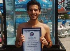 Βίντεο: Καταγράφηκε πως ένας 18χρονος μαθητής έλυσε 6 κύβους του Ρούμπικ κάτω από το νερό! - Κυρίως Φωτογραφία - Gallery - Video