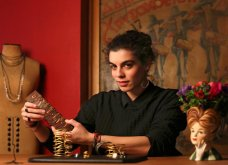 Made in Greece τα κοσμήματα Daphne P: Η Δάφνη Παπαθανασοπούλου βάζει χρώμα & γεωμετρία στις δημιουργίες της και το αποτέλεσμα είναι πιο παιχνιδιάρικο από ποτέ! - Κυρίως Φωτογραφία - Gallery - Video
