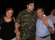 Νίκος Κούκλατζης: «Ζούμε ένα θαύμα» - Η συγκίνηση του πατέρα του στρατιωτικού που επέστρεψε στην Ελλάδα - Κυρίως Φωτογραφία - Gallery - Video
