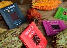 Made in Greece η Alexandros Handmade Chocolate: O ελληνικός «παράδεισος» της σοκολάτας – Συμβατικές ή βιολογικές με κινόα & κράνμπερις, φράουλα & γιαούρτι, μάνγκο & καρύδα… - Κυρίως Φωτογραφία - Gallery - Video