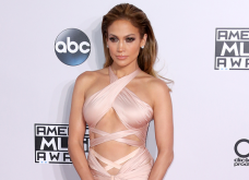 H Jennifer Lopez δείχνει το τελειότερο προφίλ σώματος 49χρονης! Το «δουλεύει» εντατικά ομως (Φωτό) - Κυρίως Φωτογραφία - Gallery - Video