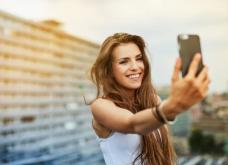 Νέα έρευνα αποκαλύπτει: Τουλάχιστον 43 άνθρωποι χάνουν τη ζωή τους για να τραβήξουν την τέλεια Selfie   - Κυρίως Φωτογραφία - Gallery - Video