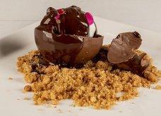 Πόσο γλυκά μας «σκοτώνει»: Σοκολατένια σφαίρα από τον Άκη Πετρετζίκη - Κυρίως Φωτογραφία - Gallery - Video