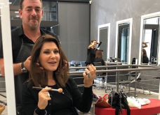 Με μωβ milk shake έκανα Φθινοπωρινή ενυδάτωση στα μαλλιά με τον colorist Λάμπρο - Έμπνευση του ο διάσημος Mounir  - Κυρίως Φωτογραφία - Gallery - Video