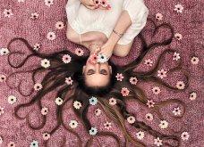 Καλλιτέχνιδα μας δείχνει τα πανέμορφα μαλλιά της: Στολισμένα με λουλούδια ή φύλλα - Φώτο  - Κυρίως Φωτογραφία - Gallery - Video 9