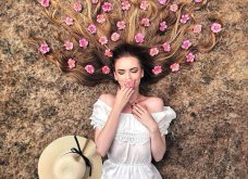 Καλλιτέχνιδα μας δείχνει τα πανέμορφα μαλλιά της: Στολισμένα με λουλούδια ή φύλλα - Φώτο  - Κυρίως Φωτογραφία - Gallery - Video 10