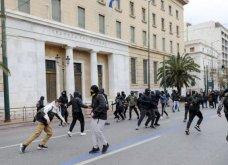 Πετροπόλεμος και χημικά στο μαθητικό συλλαλητήριο: Συγκρούσεις με την Αστυνομία σε Αθήνα - Θεσσαλονίκη (Φωτό & Βίντεο) - Κυρίως Φωτογραφία - Gallery - Video