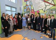 Ο Αρχιεπίσκοπος Ιερώνυμος με την «Αποστολή» στο πλευρό των παιδιών της «Ελπίδας»  - Κυρίως Φωτογραφία - Gallery - Video