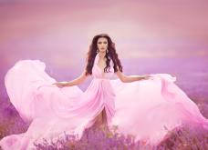 20 απίθανα ροζ φορέματα από την Vogue για να κάνετε την θεαματική σας είσοδο αυτές τις γιορτές - Φώτο - Κυρίως Φωτογραφία - Gallery - Video