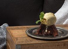 """Ο Άκης Πετρετζίκης και το """"ωραίο γλυκό της Κυριακής"""" - Υπέροχο Σουφλέ (Moelleux) με σοκολάτα και καφέ - Κυρίως Φωτογραφία - Gallery - Video"""