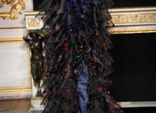 Ο Ιταλός Giorgio Armani άφησε άφωνο το Παρίσι με την κολεξιόν - έμπνευση από διάσημη ταινία (φωτό & βίντεο) - Κυρίως Φωτογραφία - Gallery - Video
