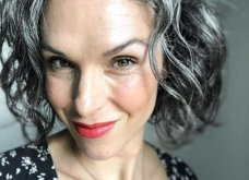 50 υπέροχες γυναίκες που λατρεύουν τα γκρίζα τους μαλλιά & μας τα παρουσιάζουν - Φώτο    - Κυρίως Φωτογραφία - Gallery - Video 24