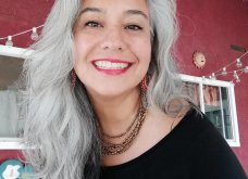50 υπέροχες γυναίκες που λατρεύουν τα γκρίζα τους μαλλιά & μας τα παρουσιάζουν - Φώτο    - Κυρίως Φωτογραφία - Gallery - Video 27