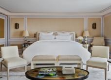 Εδώ στο Hotel de Crillon μένουν οι διασημότητες στο Παρίσι: Xλιδάτες σουίτες με υπογραφή Λάγκερφελντ & ατμόσφαιρα εποχής (φωτό) - Κυρίως Φωτογραφία - Gallery - Video 11