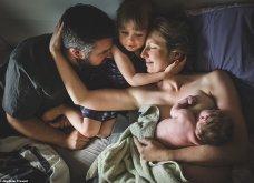Η μαγεία της γέννας μέσα από εντυπωσιακά κλικς - Η γυναίκα γεννάει στο σπίτι με τα παιδιά της στο πλευρό της - Κυρίως Φωτογραφία - Gallery - Video