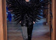 22 τρελές - τρελές εμφανίσεις σε πασαρέλες της Haute Couture που άφησαν εποχή (φώτο) - Κυρίως Φωτογραφία - Gallery - Video 2