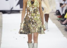 22 τρελές - τρελές εμφανίσεις σε πασαρέλες της Haute Couture που άφησαν εποχή (φώτο) - Κυρίως Φωτογραφία - Gallery - Video 14