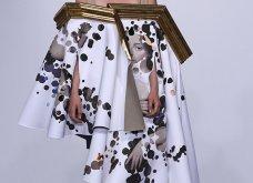 22 τρελές - τρελές εμφανίσεις σε πασαρέλες της Haute Couture που άφησαν εποχή (φώτο) - Κυρίως Φωτογραφία - Gallery - Video 17