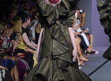 22 τρελές - τρελές εμφανίσεις σε πασαρέλες της Haute Couture που άφησαν εποχή (φώτο) - Κυρίως Φωτογραφία - Gallery - Video 19