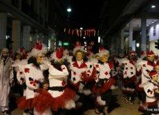 Πατρινό καρναβάλι 2019: Στο απώγειο το κέφι με τη νυχτερινή ποδαράτη παρέλαση! Οι καλύτερες από τις 300+ φώτο   - Κυρίως Φωτογραφία - Gallery - Video 10