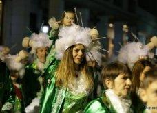 Πατρινό καρναβάλι 2019: Στο απώγειο το κέφι με τη νυχτερινή ποδαράτη παρέλαση! Οι καλύτερες από τις 300+ φώτο   - Κυρίως Φωτογραφία - Gallery - Video 11