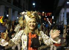 Πατρινό καρναβάλι 2019: Στο απώγειο το κέφι με τη νυχτερινή ποδαράτη παρέλαση! Οι καλύτερες από τις 300+ φώτο   - Κυρίως Φωτογραφία - Gallery - Video 16