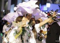 Πατρινό καρναβάλι 2019: Στο απώγειο το κέφι με τη νυχτερινή ποδαράτη παρέλαση! Οι καλύτερες από τις 300+ φώτο   - Κυρίως Φωτογραφία - Gallery - Video 20