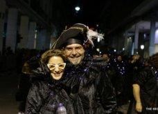 Πατρινό καρναβάλι 2019: Στο απώγειο το κέφι με τη νυχτερινή ποδαράτη παρέλαση! Οι καλύτερες από τις 300+ φώτο   - Κυρίως Φωτογραφία - Gallery - Video 34