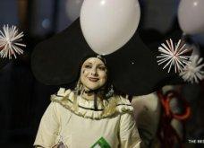 Πατρινό καρναβάλι 2019: Στο απώγειο το κέφι με τη νυχτερινή ποδαράτη παρέλαση! Οι καλύτερες από τις 300+ φώτο   - Κυρίως Φωτογραφία - Gallery - Video 38