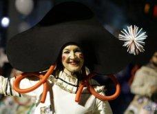 Πατρινό καρναβάλι 2019: Στο απώγειο το κέφι με τη νυχτερινή ποδαράτη παρέλαση! Οι καλύτερες από τις 300+ φώτο   - Κυρίως Φωτογραφία - Gallery - Video 49