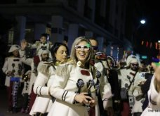 Πατρινό καρναβάλι 2019: Στο απώγειο το κέφι με τη νυχτερινή ποδαράτη παρέλαση! Οι καλύτερες από τις 300+ φώτο   - Κυρίως Φωτογραφία - Gallery - Video 64