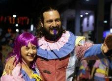 Πατρινό καρναβάλι 2019: Στο απώγειο το κέφι με τη νυχτερινή ποδαράτη παρέλαση! Οι καλύτερες από τις 300+ φώτο   - Κυρίως Φωτογραφία - Gallery - Video 69