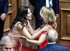 Λαμπερά χαμόγελα, φιλιά, αγκαλιές & κουβεντούλα - Το Backstage της ορκωμοσίας στη βουλή σε εικόνες (φώτο) - Κυρίως Φωτογραφία - Gallery - Video 18