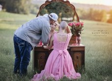 Ο σύζυγος με  δάκρυα στα μάτια κόβει τα μαλλιά της γυναίκας του & την προετοιμάζει για τη χημειοθεραπεία που ξεκινάει λόγω καρκίνου (φώτο) - Κυρίως Φωτογραφία - Gallery - Video 14