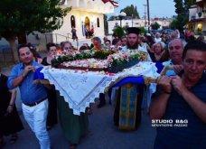 Ατμοσφαιρικές φωτογραφίες μας έστειλε το Ναύπλιο από την κατανυκτική περιφορά του Επιταφίου της Παναγίας με χρώμα από τα Επτάνησα    - Κυρίως Φωτογραφία - Gallery - Video 11