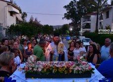Ατμοσφαιρικές φωτογραφίες μας έστειλε το Ναύπλιο από την κατανυκτική περιφορά του Επιταφίου της Παναγίας με χρώμα από τα Επτάνησα    - Κυρίως Φωτογραφία - Gallery - Video 16
