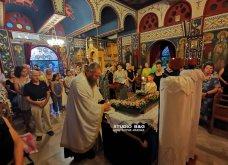 Ατμοσφαιρικές φωτογραφίες μας έστειλε το Ναύπλιο από την κατανυκτική περιφορά του Επιταφίου της Παναγίας με χρώμα από τα Επτάνησα    - Κυρίως Φωτογραφία - Gallery - Video 28