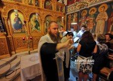 Ατμοσφαιρικές φωτογραφίες μας έστειλε το Ναύπλιο από την κατανυκτική περιφορά του Επιταφίου της Παναγίας με χρώμα από τα Επτάνησα    - Κυρίως Φωτογραφία - Gallery - Video 31