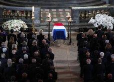 Κηδεία Ζαν Σιράκ: 80 ηγέτες, βασιλιάδες & celebrities -Από τον Μπιλ Κλίντον & τον Πούτιν ως την Σάλμα Χάγιεκ - Όλες οι φώτο & τα βίντεο  - Κυρίως Φωτογραφία - Gallery - Video 12